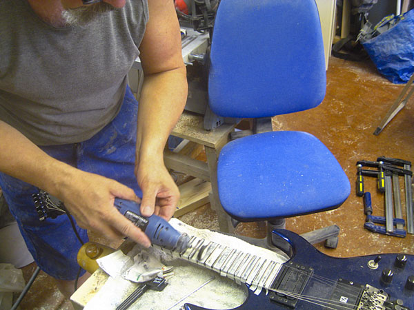 Polishing frets